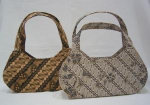 tas dengan bahan kain batik pekalongan